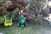 Adaś-Sz.-już-rozpoczął-wiosenne-porządki-w-swoim-ogrodzie